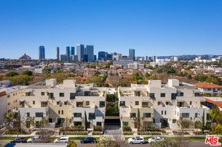 321 Elm Dr #120, Beverly Hills, CA 90210