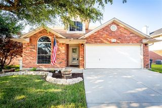 8132 Heritage Place Dr, Fort Worth, TX 76137
