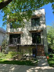 2130 Wesley Ave #1, Evanston, IL 60201