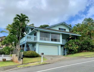 1529 Kanapuu Dr, Kailua, HI 96734