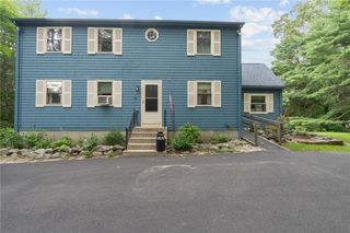 86 Stirling Dr, North Scituate, RI 02857