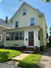 469 Frost Ave, Rochester, NY 14611