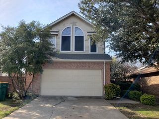 904 Boxwood Dr, Lewisville, TX 75067