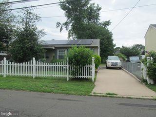 825 1st Ave, Croydon, PA 19021