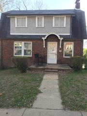 7740 Gissler Ave, Saint Louis, MO 63117