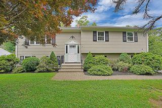 35 Red Oak Way, Bridgewater, NJ 08807