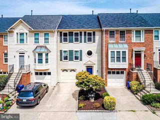 12792 Dogwood Hills Ln, Fairfax, VA 22033