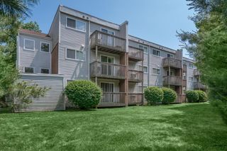 510 Main St, East Haven, CT 06512