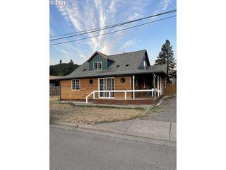 76475 Spot St, Oakridge, OR 97463