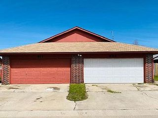 611 Peppertree Ln, Midwest City, OK 73110