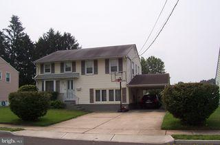 21 Magnolia Ln, Trenton, NJ 08610