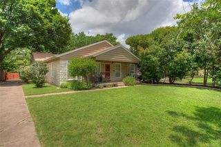 2724 Ryan Place Dr, Fort Worth, TX 76110