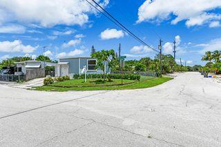 9174 Highpoint Dr, West Palm Beach, FL 33403