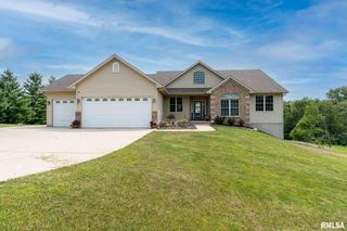 11400 95th Ave, Blue Grass, IA 52726