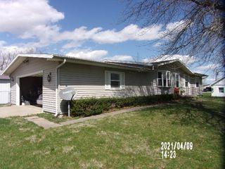 200 E Center St, Ellsworth, IL 61737