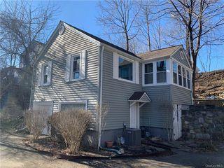 33 Seven Lakes Dr, Sloatsburg, NY 10974