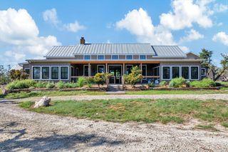 1100 Vintage Oaks Dr, Fredericksburg, TX 78624