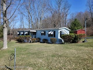 110 Holly Rd, Factoryville, PA 18419