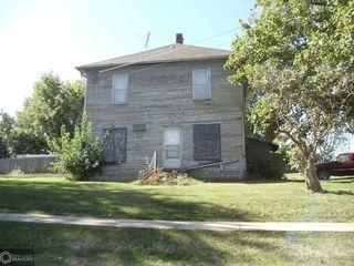 403 Maple St, Lynnville, IA 50153