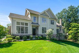 11 Hedges Ct, Cortlandt Manor, NY 10567