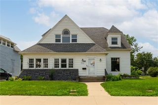 114 W Robinson St, Knoxville, IA 50138