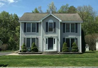 85 Pasture Dr, Manchester, NH 03102