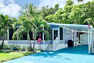 802 S Emerald Dr, Key Largo, FL 33037