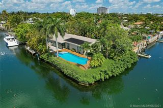 12901 Oleander Rd, Miami, FL 33181