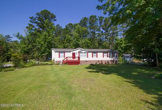 176 Bellhammon Forest Dr, Rocky Point, NC 28457