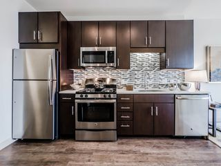 11 S Green St, Chicago, IL 60607