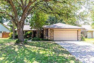2405 Clayton Oaks Dr, Grand Prairie, TX 75052
