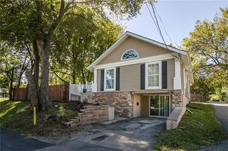 136 E Nickell Ave, Independence, MO 64050