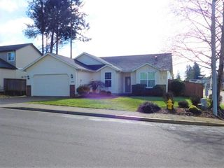 805 Wilson Ave, Cottage Grove, OR 97424