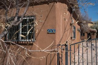 902 Edith Blvd NE, Albuquerque, NM 87102