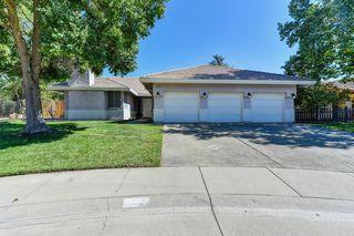 9509 Swanbrook Ct, Elk Grove, CA 95758
