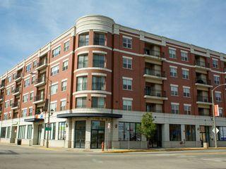 3200 Oak Park Ave, Berwyn, IL 60402