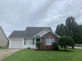 137 Rosie St, Bowling Green, KY 42103