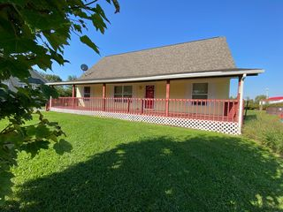 200 S Marion St, Holton, IN 47023