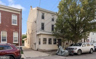 360 Martin St, Philadelphia, PA 19128