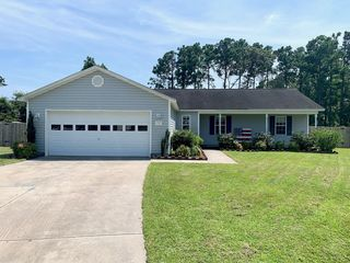 507 Hay Baler Ct, Sneads Ferry, NC 28460