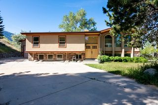 8566 S Kings Cove Dr, Cottonwood Heights, UT 84121