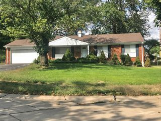 119 Bellechasse Dr, Chesterfield, MO 63017