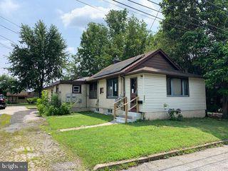 260 Maple Ave, Morton, PA 19070