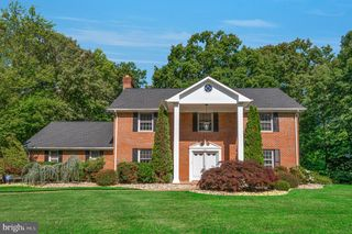 10911 New England Dr, Clinton, MD 20735