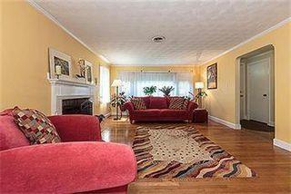 28 Wadsworth Rd, Arlington, MA 02476