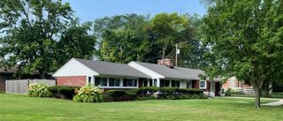 8306 Crestwood Ave, Munster, IN 46321