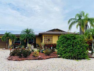 615 Gladstone Ln, Holmes Beach, FL 34217