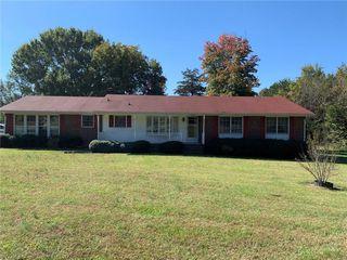 325 Dixon Rd, Graham, NC 27253