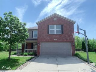 5447 Grassy Bank Dr, Indianapolis, IN 46237