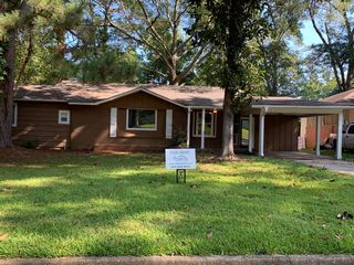 1018 Meadow Heights Dr, Jackson, MS 39206